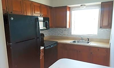Kitchen, 480 W Camino Real, 2