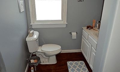 Bathroom, 2647 Greenway St, 2