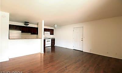 Living Room, 5026 River Glen Dr 162, 1