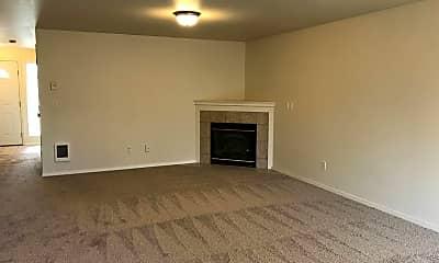 Living Room, 20001 Elizabeth Ln, 1