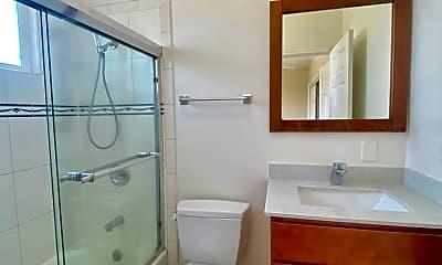 Bathroom, 1626 46th Ave, 2