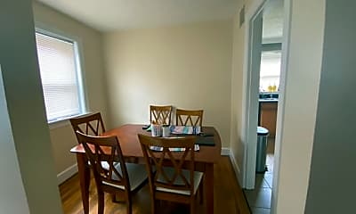 Dining Room, 192 Forest Park Rd, 2