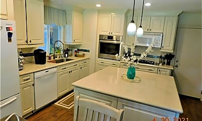 Kitchen, 29422 Wildcat Canyon Rd, 2