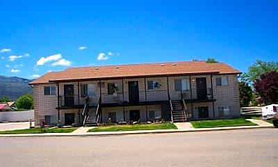 Building, 673 W 400 N, 0