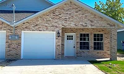 Building, 3309 Polk St B, 1