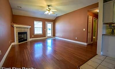 Living Room, 520 Maplewood Dr, 1