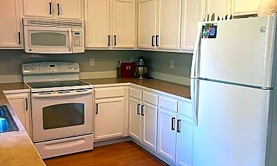 Kitchen, 105 Benton St, 2