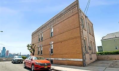 Building, 9 Zerman Pl 1, 2