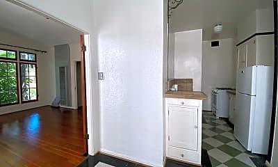 Living Room, 607 S Cloverdale Ave, 2