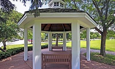 Landscaping, Village Park of Rochester Hills, 2