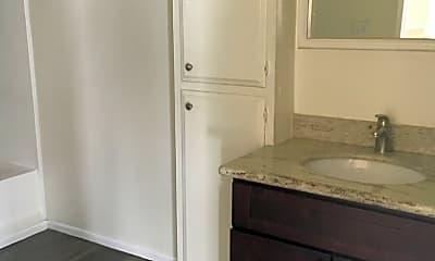 Bathroom, 1868 Lincoln Ave, 2