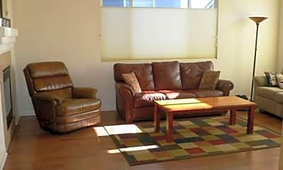 Living Room, 1650 Iron Mountain Dr, 1