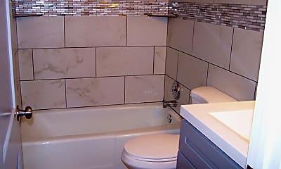 Bathroom, 449 W Jefferson Ave, 1