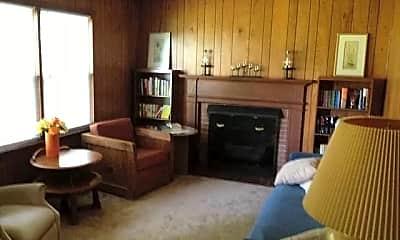 Living Room, 217 Saddler Dr, 1