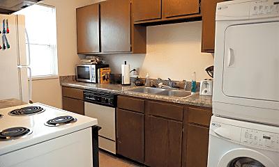 Kitchen, 913 Vattier Street, 1
