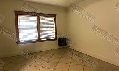 Bedroom, 323 W 4th St, 2