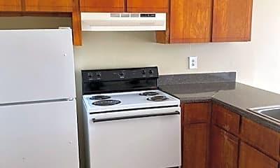 Kitchen, 1000 Arrowhead Trail, 1