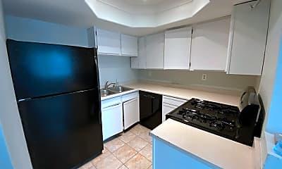 Kitchen, 4205 Ohio St, 2