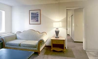 Living Room, Siegel Suites Charleston II, 1