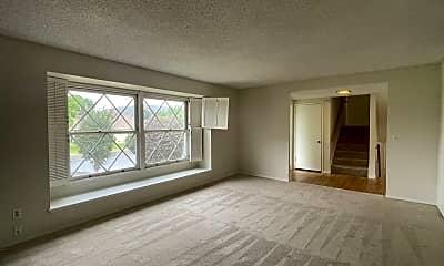 Living Room, 1070 La Grange Ave, 1