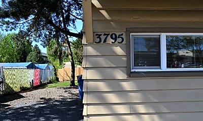 Community Signage, 1015 38th Ave NE, 1