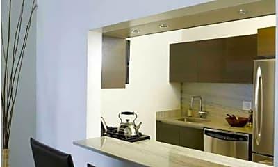 Kitchen, 168 E 31st St, 2