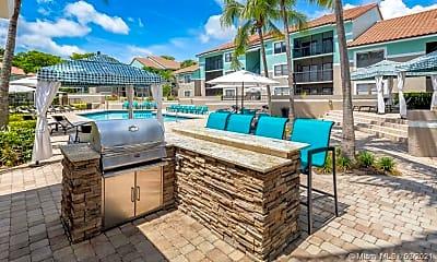Pool, 730 S Park Rd 301, 1