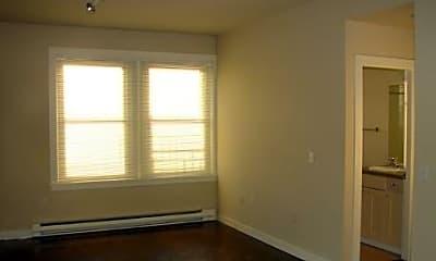 Fairmount Apartments, 2