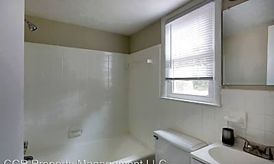 Bathroom, 814 Miller Ave, 2