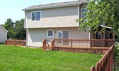 Building, 4194 E Summerset St, 2