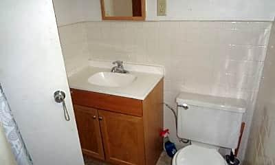 Bathroom, 2032 N 4th St, 2
