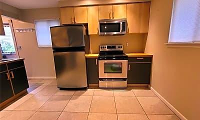 Kitchen, 500 S Kenwood Ave, 1