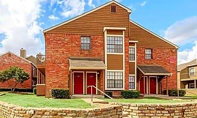 Building, 5800 Northwest Dr, 1