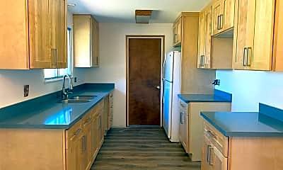 Kitchen, 1602 5th St NE, 1