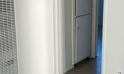 Bathroom, 2052 W Linden St, 2
