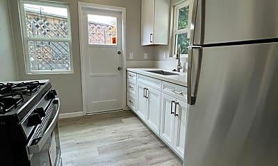 Kitchen, 5044 1/2 Saratoga Ave, 1