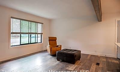 Living Room, 2404 Poplar Dr, 2