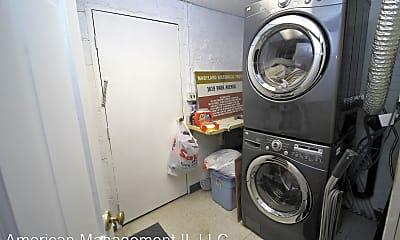 Bathroom, 1619 Park Ave, 2