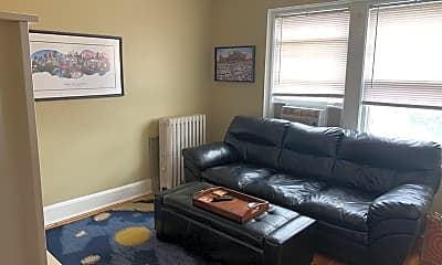 Living Room, 723 S Woodlawn Ave, 0