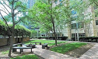 Building, 851 N Glebe Rd 1116, 1