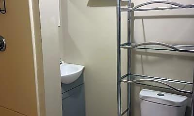 Bathroom, 10 Hillhurst Ave, 1