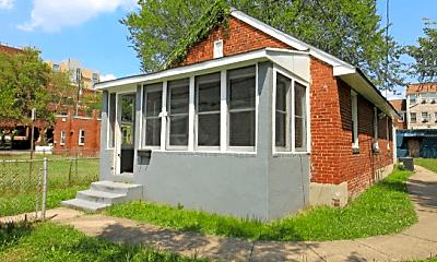Building, 727 N West St, 1