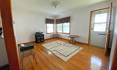 Living Room, 900 4th Ave NE, 1