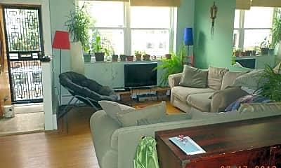 Living Room, 1530 S Iseminger St, 1