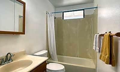 Bathroom, 86-742 Puuhulu Rd, 2