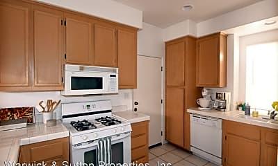 Kitchen, 572 Vista Miranda, 1