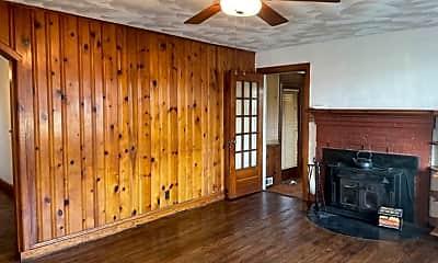 Kitchen, 2533 Cromwell Rd, 1