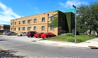 Building, 939 Bryden Rd, 1