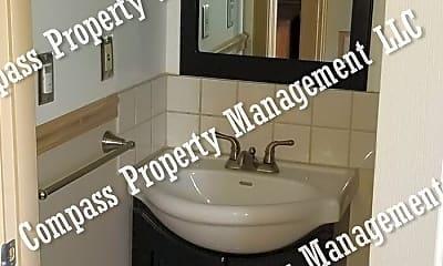 Bathroom, 1419 W Kings Hwy, 2
