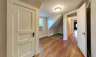 Living Room, 2802 Eastland Ave, 2